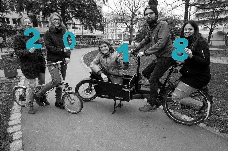 Teamfoto Verkehr mit Köpfchen